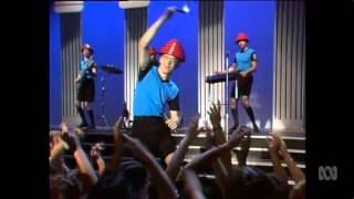 DEVO - Whip It (LIVE ON COUNTDOWN 1982)