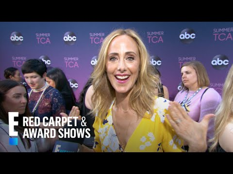 "Kim Raver Tells ""Grey's Anatomy"" Season Premiere Secrets | E! Red Carpet & Award Shows"