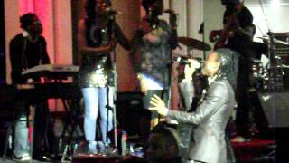 SOLID STAR PERFORMS U NO HOLY PASS BY 2FACE IDIBIA