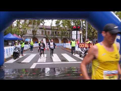 Llegada campeón y campeona 10km