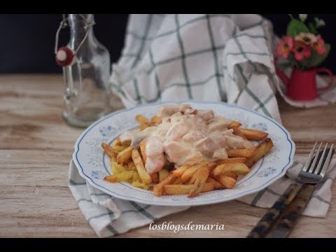 Pechugas de pollo con nata, bacon y champiñones