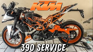 👨🔧Performing KTM RC/DUKE 390 Complete Service at Home