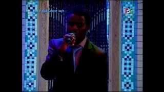 Африканец поет на таджикском.African Singing In Tajik.