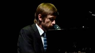 The Divine Comedy - Neil Hannon solo - Montpellier Sept 24th 2011 1/8