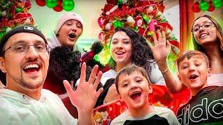 MERRY CHRISTMAS!  (FV Family Christmahanakwanzika Hello)