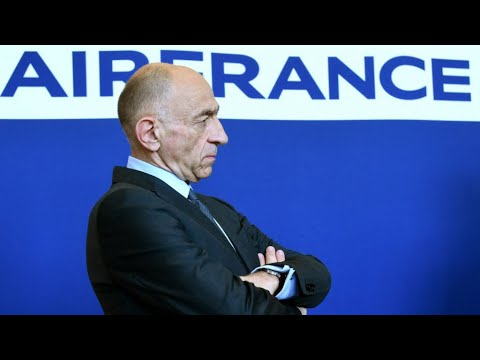 Air France boss resigns after striking staff reject pay deal