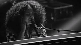 Illusion Of Bits (En Vivo) - Alicia Keys (Video)