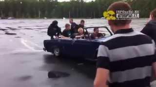 Молодёжь на парковке СМП ушатала и сожгла классику. Северодвинск