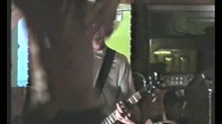 preview picture of video 'BRUJACRA EN VIVO EN EL QUINCHO 11/02/2001'