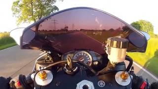 Супер реакция мотоциклистов в стрессовых ситуациях на дороге За шаг от аварии на мотобайке!