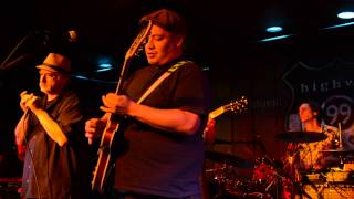 J P Hennessy - Highway 99 Blues Club, Seattle, 8-28-2015 - Crossroads