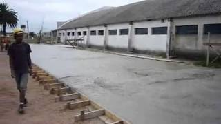 Виброрейка раздвижная 220В з двойным профилем QPМ (привод) от компании Атлантис Буд - видео
