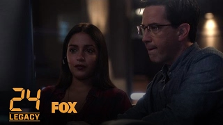 Extrait 103 : Andy montre à Mariana comment traquer le téléphone de Nicole