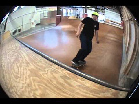 Some Vert skating at Vans Skate Park Mall of Georgia. 3 foot mini!