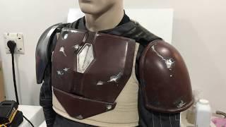 The Mandalorian: how to attach shoulder armor