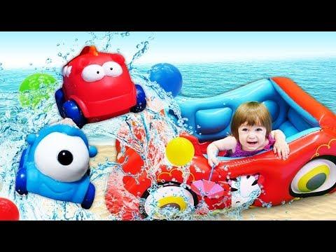 Привет, Бьянка и мама Маша на пляже - Песня и игры для малышей