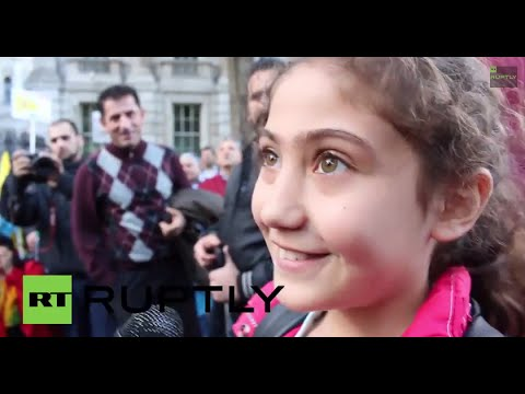 UK: Meet the 10-yo GIRL who fired up thousands at anti-IS demo ...