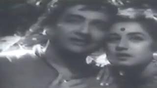 chand ko dekho ji,chand mere aaja re Lata_Rafi_I C - YouTube