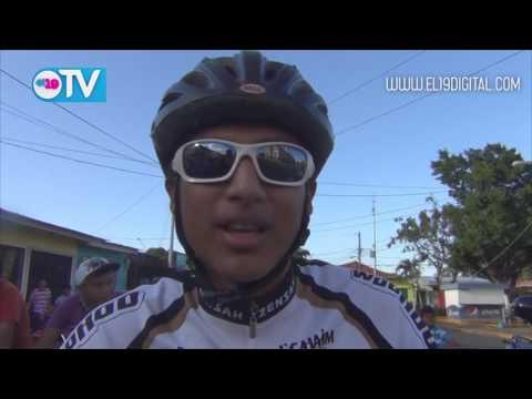 Rali ciclístico celebrando tiempos de victorias