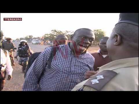Okwemulugunya kwa Besigye ku kubakwata kugobeddwa
