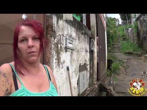 Lurdes da Favela do Justinos reclama da situação do lixo e abandono do escadão na Favela