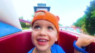 Vlad e Nikita nos playgrounds de diversão! Vídeos de família!