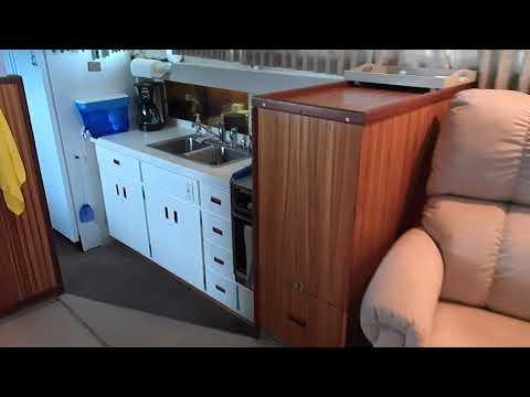Bertram 46 Flybridge Motor Yacht video