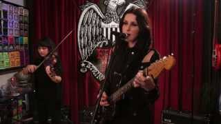 """Chelsea Wolfe   """"We Hit A Wall"""" Ernie Ball Set Me Up"""