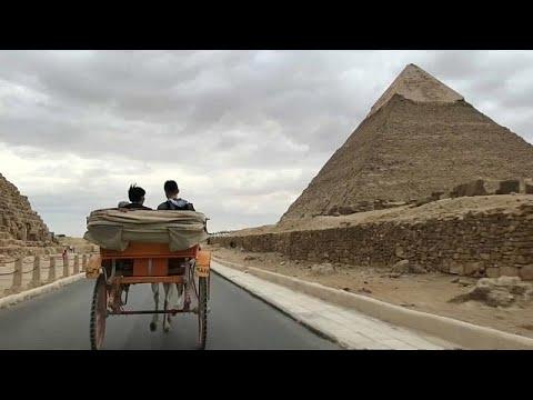 Αίγυπτος: Επιστρέφουν στην Γκίζα οι τουρίστες μετά τη φονική επίθεση…