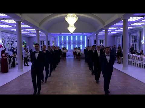 Wideo1: Fragmenty poloneza w wykonaniu uczniów ZSR-B w Lesznie