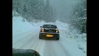 BMW Serie 1 120d Drift Neige Snow Accident Crash