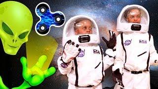 FIDGET SPINNER SPACE ADVENTURE!!! - Shiloh And Shasha - Onyx Kids
