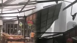 Video Hujan Disertai Angin Terbangkan Atap Kantin Rasuna Garden Food Street di Jaksel