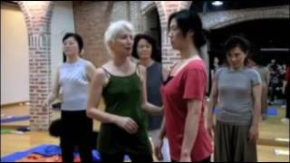 Falling With Gravity - Bones for Life training with Jennifer Groves Seoul.