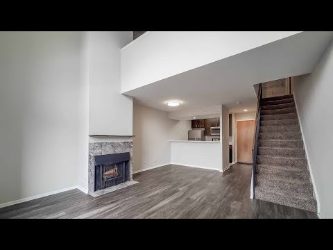 A Lincoln Park 2-story 1-bedroom, apartment C at 1802 N Halsted