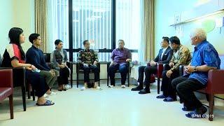 Presiden Jokowi Ditemani Ibu Negara Iriana dan Kaesang Jenguk Ani Yudhoyono di Singapura