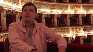 Евгений Понасенков напевает финальную арию из «Травиаты» Верди