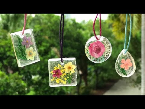 DIY Resin Pendants With Dried Flowers - Tutorial