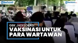 Wartawan Ikuti Vaksinasi Covid-19 di Stadion Gelora Bung Karno Sesuai Protokol Kesehatan yang Ada