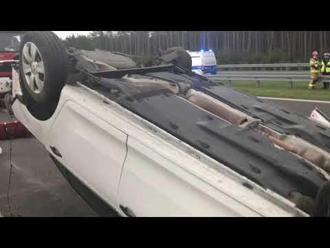 Wideo1: Dachowanie na S5 przed Rydzyną