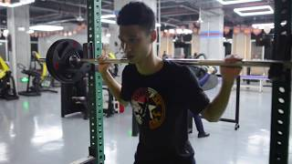 New Year Mannequin challenge in China's fitness club