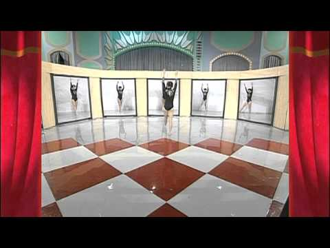 Incredible Synchronization with Gymnasium Mirrors