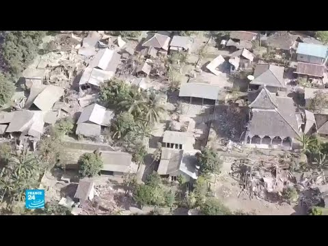 العرب اليوم - شاهد: صور من الدمار الذي خلفه زلزال إندونيسيا
