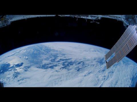 מדהים: הקפות סביב כדור הארץ מהלווין • צפו