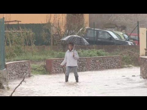 Carreteras inundadas y ríos desbordados en Girona