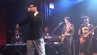 Mayer Hawthorne Feat The Roots Just Aint Gonna Work Out Live