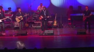 Jealous Guy Chris Andrews sings with Abbey Road(Beatles tribute band)