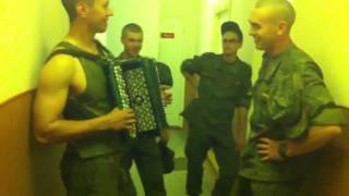 Солдат поет,служба идет!супер татарская песня!