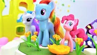 Видео для девочек (мультик с Пони)! Игрушки для девочек! Май литл пони игрушки оказались в городе!