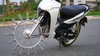 NTN - Thử Đi Xe Máy Bánh Gắn Lò Xo (Ride a motorcycle with spring on wheels)